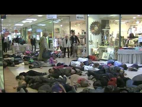 #Swedish School Children's #flashmob support for the #children in #Syria