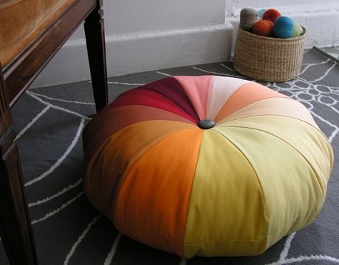 How to make a pouffe. We have a couple of these and they work out really great for sitting on, resting feet on and the cat to sleep on. But I also use them as little tables at times, simply by placing a tray on top of them. So all in all they come in very handy, although I must say mine are a bit bigger than these.