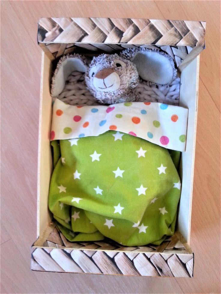 Lit de poupée caissette DIY – Lili Tire-Bouton