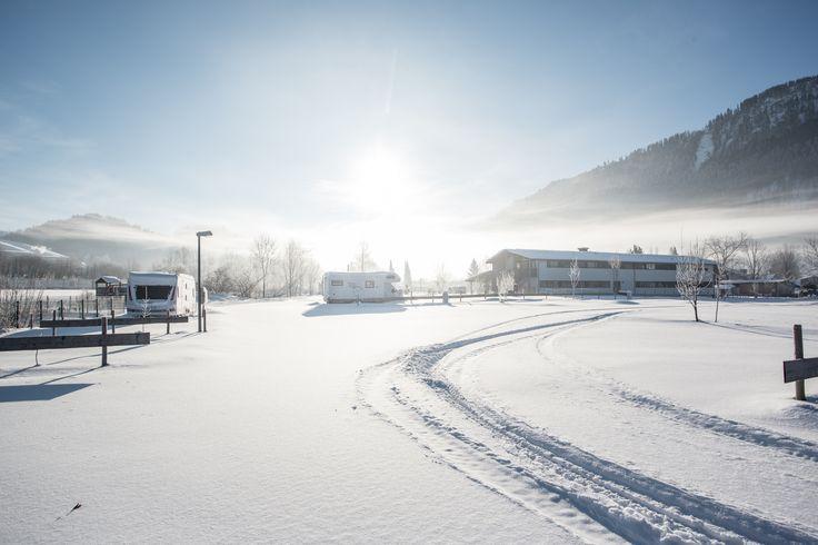 Für Babysitter und Skifahrer, neue Skikarten machen den Pistenspaß noch flexibler Weihnachts-Special vom 20.12.- 07.1.2018 Dein Link zum Klicken für weitere Infos https://www.alpsee-camping.de/de/der-campingplatz/blog/item/wintercamping-im-allgaeu-bayrisch-schwaben-alpenlaendle-zwischen-oberstdorf-und-oberstaufen-schne/  #wintercamping #allgäu #oberallgäu #immenstadt #alpsee #oberstaufen #oberstdorf #alpen #camperlife #schneeschuhwandern #langlauf #skiing #Winter #Wintersport #Fotos…