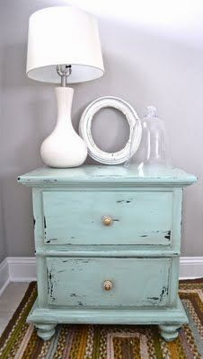 perfect for my bedroom! and definately searching for some old end tables!