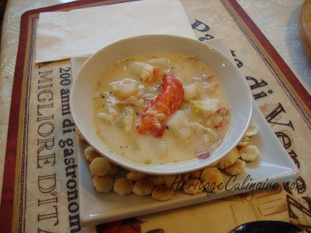 Voici la recette pour réaliser une chaudrée de fruits de mer avec homard, pétoncles, crevettes, moules, et même poissons à votre goût. #homard #crevettes #pétoncles