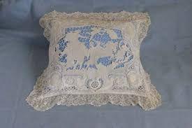 Risultati immagini per cuscini ricamati antichi