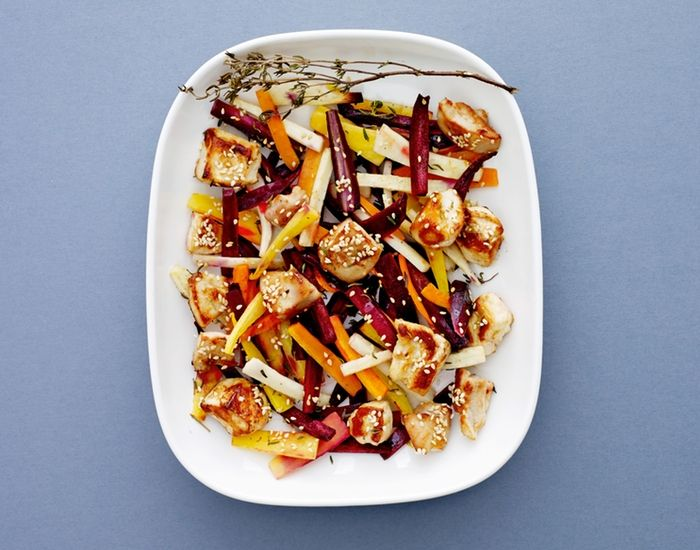 Ovnbagte rodfrugter i fad med kylling, er sund aftensmad på 30 minutter.