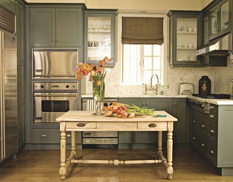 kitchen cabinet paintKitchens Design, Cabinet Colors, Small Kitchens, Kitchens Ideas, Grey Kitchens, Gray Cabinets, Kitchens Cabinets Colors, Kitchen Cabinets, Painting Cabinets