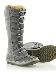 Cate of Alexandria snow boots