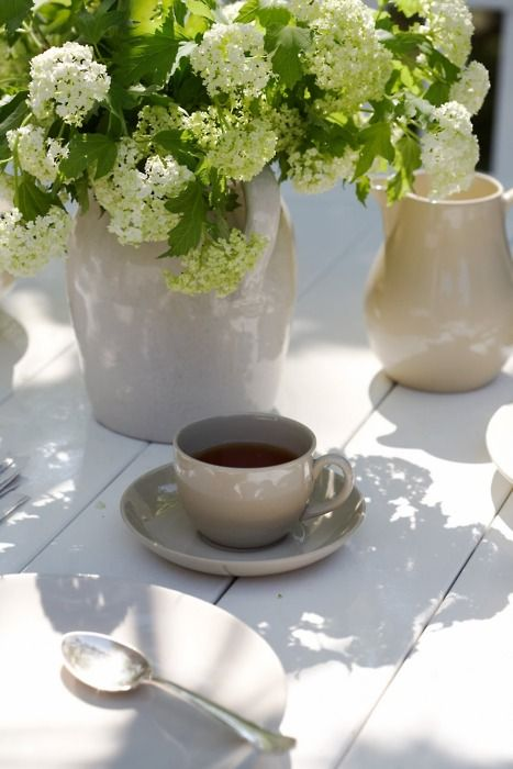 Tricia FoleyCoffee Tables, Sunday Mornings, Coffe Time, Teas Time, Cups Of Coffe, Drinks Coffee, Mornings Coffe, Fresh Flower, Coffee Time