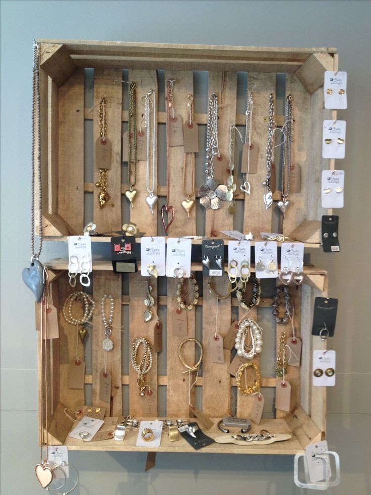 New jewellery display made from small crates.