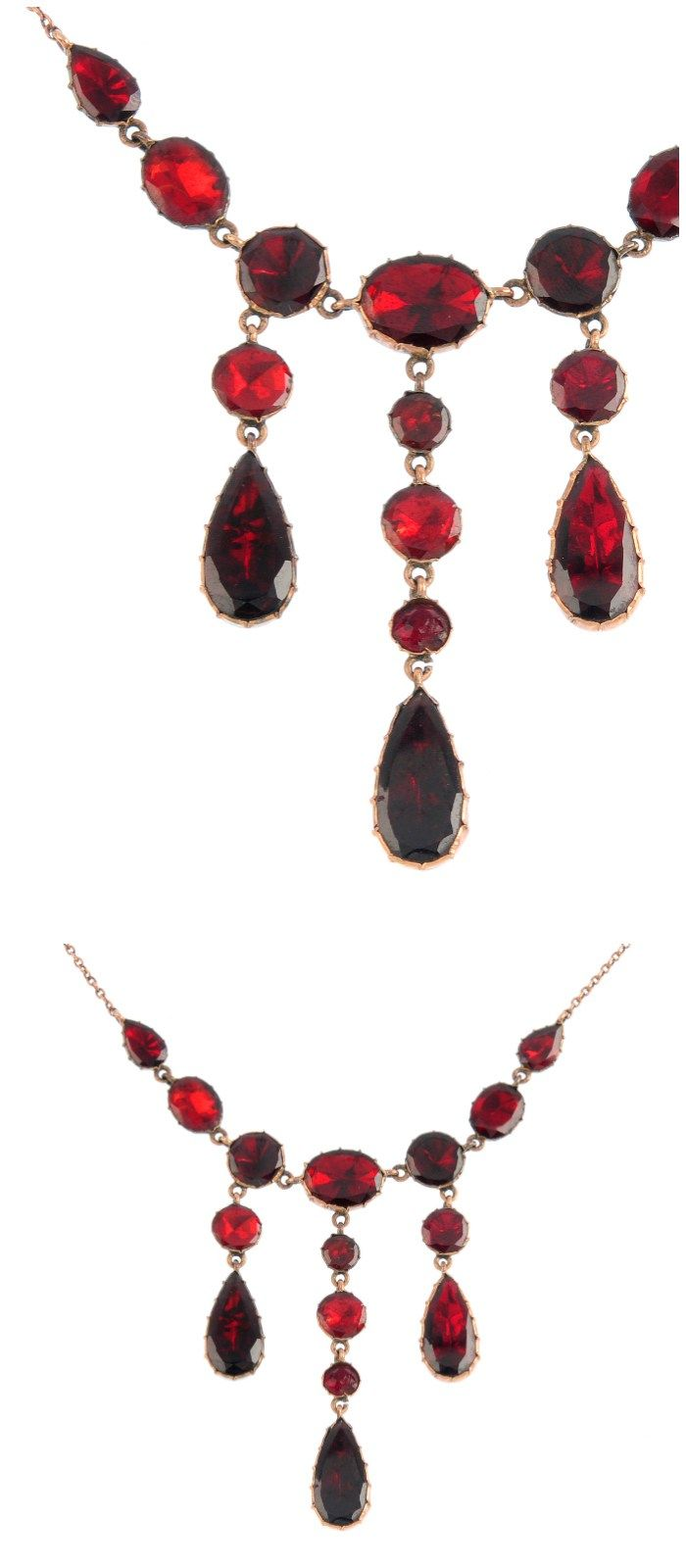 A beautiful antique foiled-back garnet necklace.