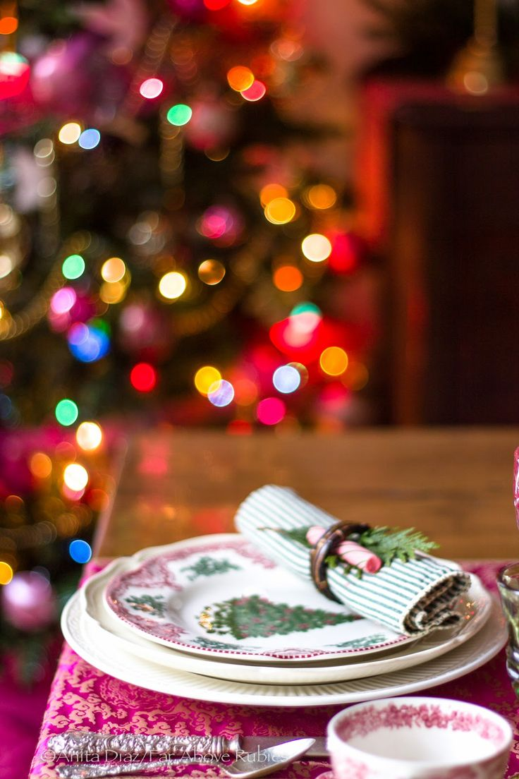 378 best christmas crafts decor images on pinterest christmas far above rubies christmas dining room and kitchen pics that didn t