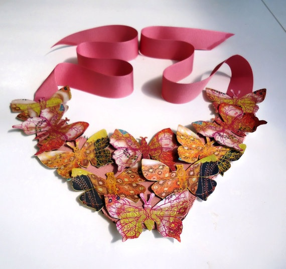 Anastasia works with fabric, artificial leather and glass pearls.This gorgeous butterfly necklaces by Lovisetto (Etsy)