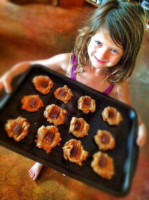 Check out @Julie Piatt's awesome vegan gluten-free peanut butter flax seed cookies.....love 'em    http://www.jailifestyle.com/2012/11/21/plantpower-julie-piatt-peanut-butter-flax-cookie/