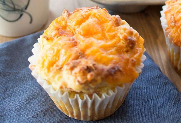 Vous ne savez plus quoi manger pour déjeuner? Essayez ces délicieux muffins, vous allez pouvoir en congeler et ça va être tellement plus simple le matin...