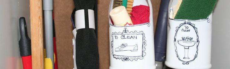 Un piccolo post per una piccola idea. Si tratta di due contenitori in plastica ricavati da flaconi di sapone liquido. Purtroppo si tratta...