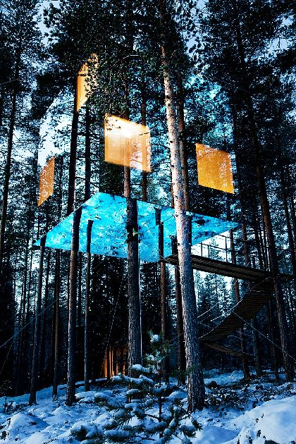 Pour changer de décor, le Treehotel, en Laponie suédoise!