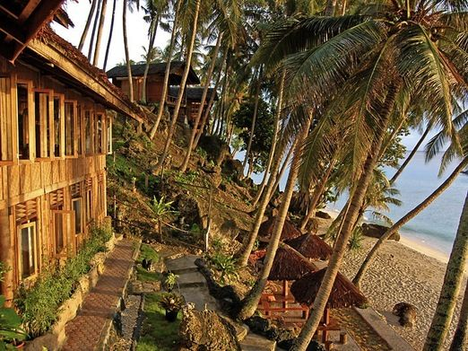 Freddy Sumur Tiga: Freddie Sumur Tiga is a simple, eco-friendly bungalow with a private balcony overlooking the ocean. (...