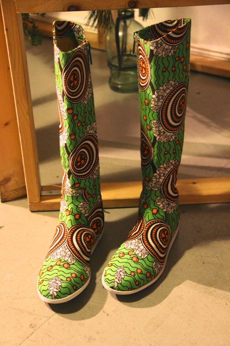 www.cewax.fr aime ces bottes en tissu africain wax vert et marron repérées.  Chaussures