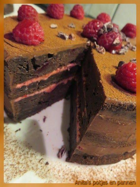 Anita's potjes en pannen: Chocolade taart met bietjes, frambozen- en cacao botercrème
