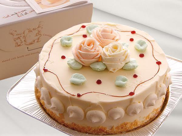 昭和の頃、お誕生日やクリスマスの定番だったというバタークリームのケーキ。少し黄色っぽく固めのクリームに、生のフルーツではなく、ア…