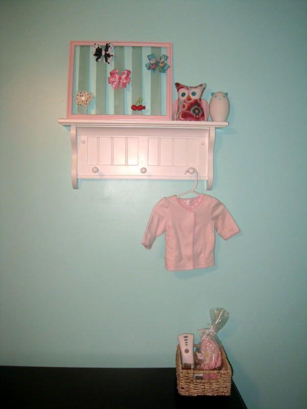 World of Dennifer: Project Nursery - 2 finished walls + DIY hair bow holder tutorial!