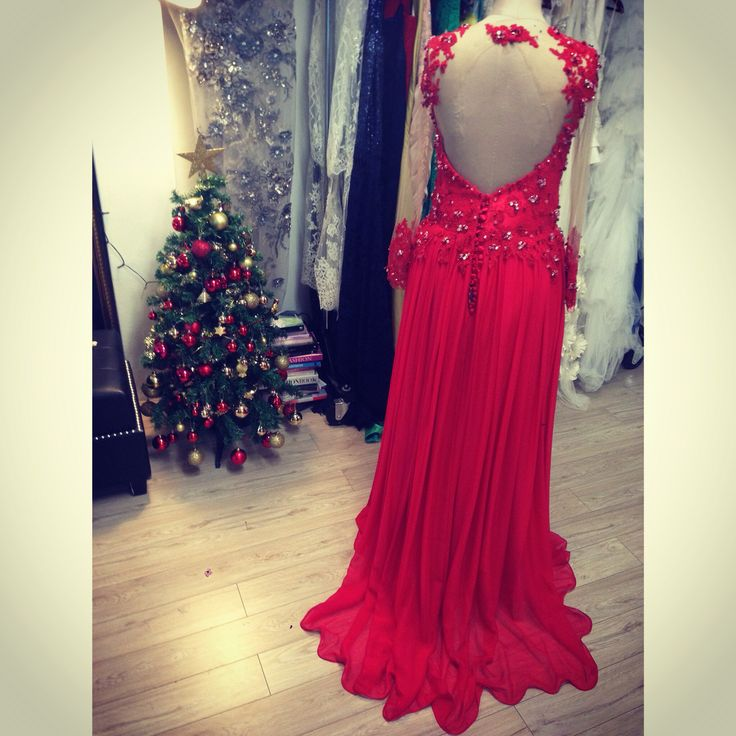 Lady in red. Custom couture at Souraya