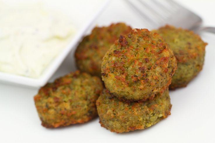 Le polpette di verdure sono un secondo piatto vegetariano ottimo per chi non ama le carni o il pesce. Vediamo la ricetta
