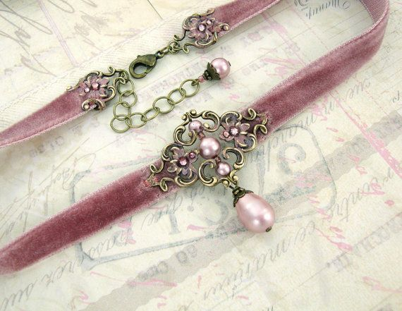 Dusty pink velvet choker with patina brass floral filigree and Swarovski crystal powder rose pearls. Neo Victorian vintage style in pink and bronze.