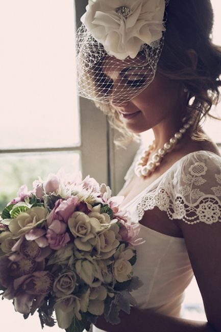 I want a birdcage!!: Wedding Dressses, Vintage Wedding, Head Pieces, Hair Pieces, Lace Sleeve, Cap Sleeve, The Dresses, Headpieces, Birdcages Veils