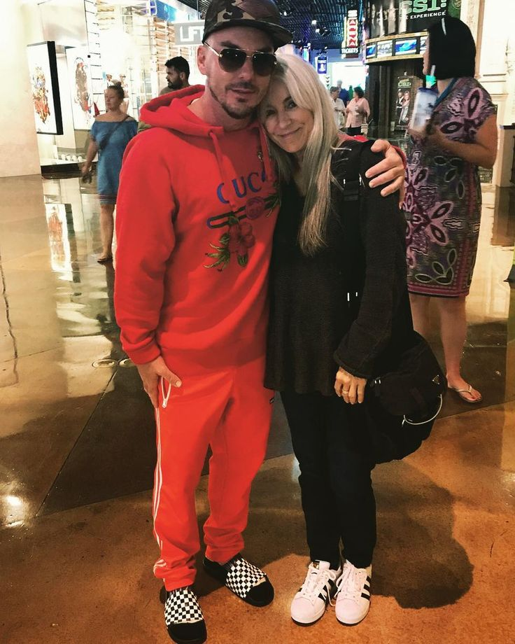 SHANNON LETO with his mom CONSTANCE