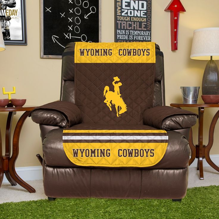 21 Best To Fix Ugly Brown Couch Images On Pinterest: Best 25+ Wyoming Cowboys Ideas On Pinterest