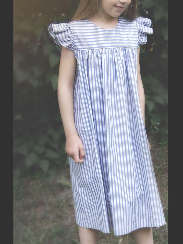 Carl Larsson klänning förklädesmodell - 100 Years