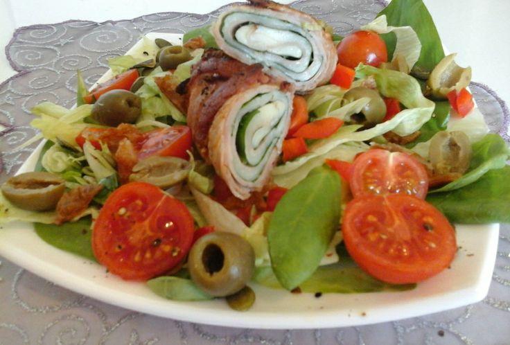 Erőfeszítés és éhezés nélkül, olvadnak az a bizonyos kilók…Laktató, zsírégető finomság, melyet bármikor ehetsz, az egészséges étrendbe is beilleszthető. Egyszerűbb, gyorsabb már nem is lehetne...:) Recept: http://klarisszafalatozoja.cafeblog.hu/2014/05/18/erofeszites-es-ehezes-nelkul-olvadnak-az-a-bizonyos-kilok/