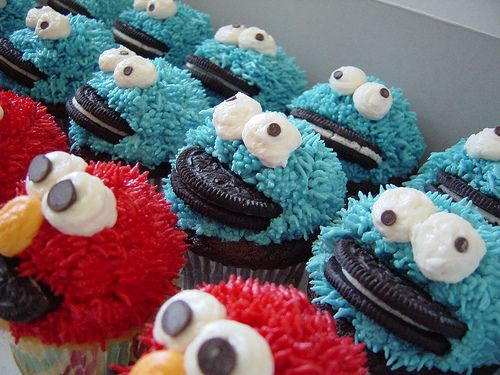 how to make cookie monster eyes for a cake