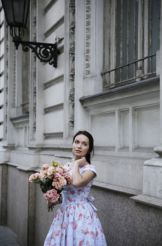 http://karolinabaszak.com/birthday-outfit/   50s dress  retro  vintage  flowers