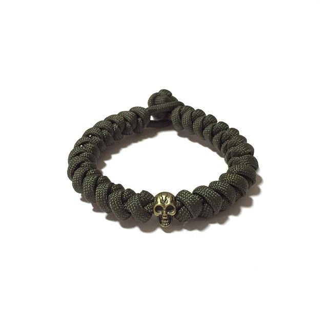 Dark Forest Paracord Bracelet Design: [Snake Knot]  Also available at: Witty Label Concept @wlcshop  Unisex Bracelet  #ParacordBracelet #mensbracelet #womansbracelet #paracord #bracelet #madeinsingapore