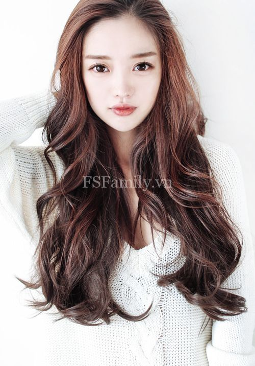 Những kiểu tóc xoăn bồng bềnh ngắn và dài đẹp nhất mọi thời đại bạn gái không nên bỏ lỡ!