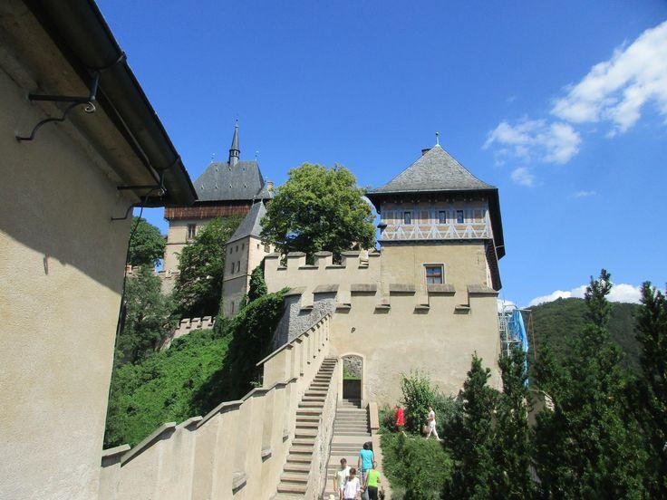 Gotický hrad Karlštejn založen roku 1348 Karlem IV. - Karlštejn - Česko