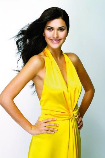 Bergüzar Korel  Bergüzar Korel was born in September, 1982 in Istanbul, Turkey. She is not only a talented actress but also a stylish Turkish model and hot diva.