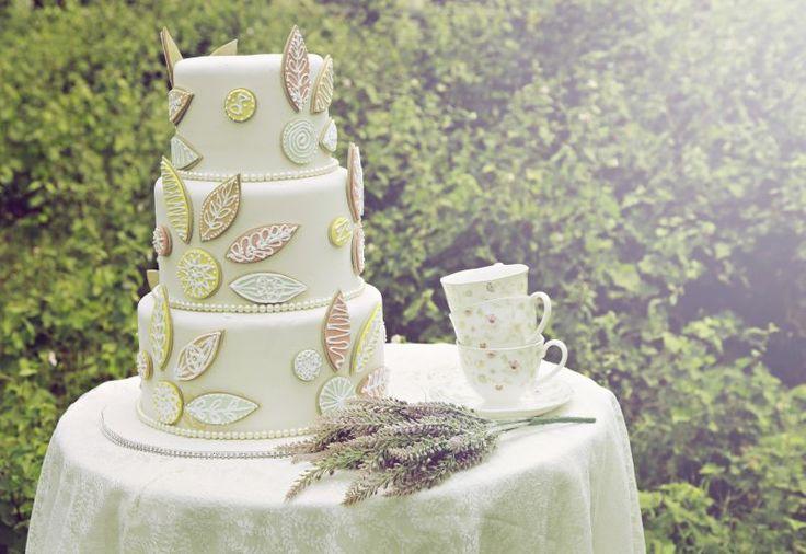 Rahasia Memeroleh Kue Pengantin Cantik dengan Harga Hemat