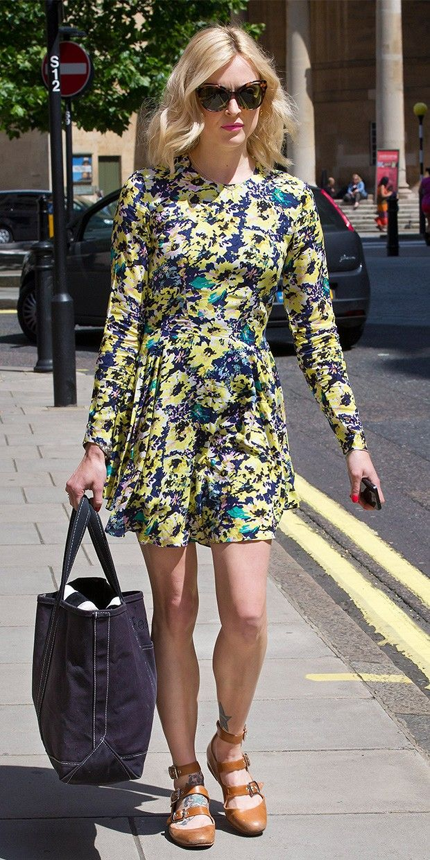 The Scoop On Fearne Cotton's Effortlessly Chic Floral Look via @Who What Wear