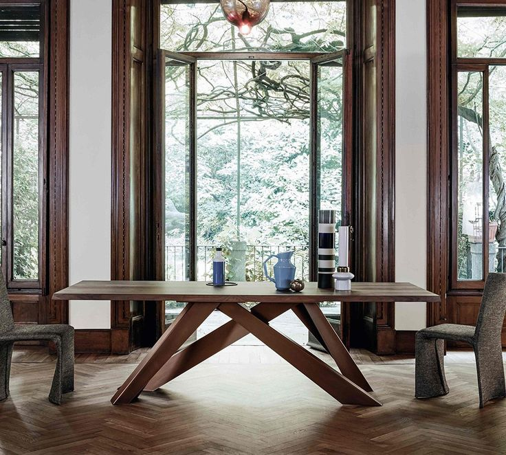 Table Big Table by BONALDO A play on balance, an optical path that ...