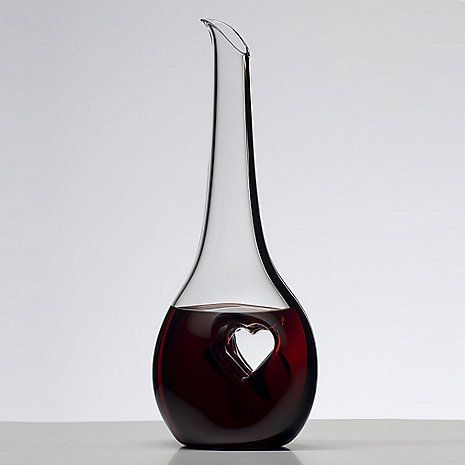 Wine decanter with a heart-shaped center ~ for a true wine lover.