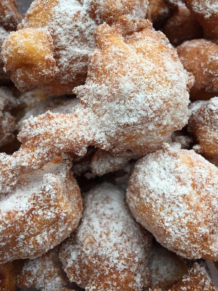 Mutzen mit Puderzucker bestäuben –  Fritöse