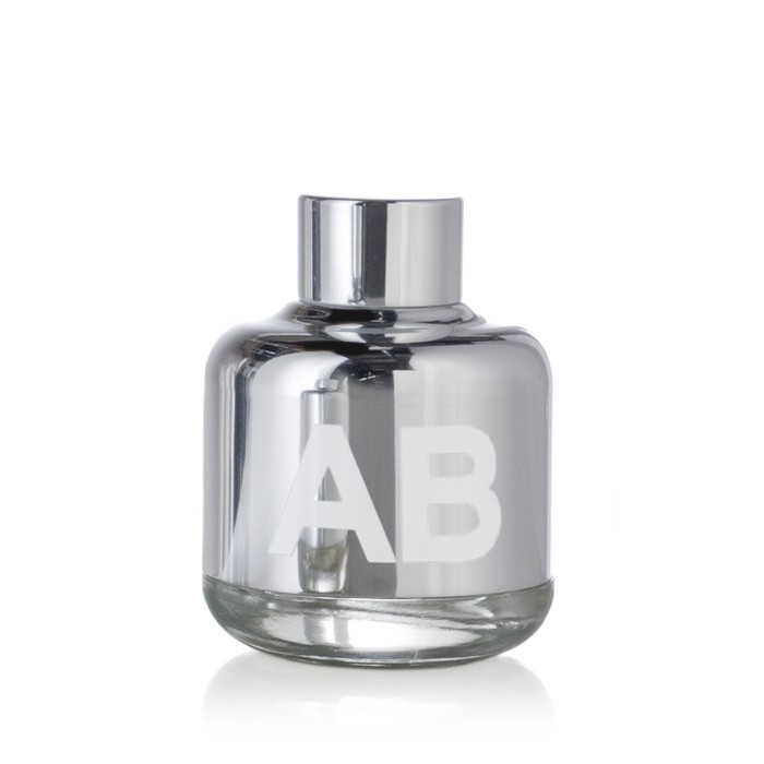 £115.00  BLOOD CONCEPT AB, Pure Perfume Drops 40ml       SYNTHETIC AND INDIVIDUALIST.  A LONER CHEMIST STUMBLING UPON  UNAVOIDABLE CHANGES.  UNIHIBITED AND VISIONARY.    UK  http://www.averyonlinestore.com/index.php/perfume.html?manufacturer=65    EU  http://www.shopaveryeu.com/index.php/perfume.html?manufacturer=74    USA  http://www.shopaveryus.com/index.php/perfume.html?manufacturer=65