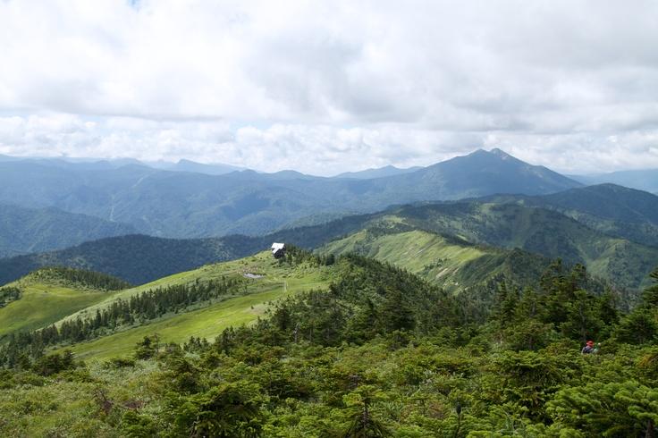 Hütte (Mt. Aizu-Komagatake, Hinoemata, Fukushima, JAPAN/ 2012.08)