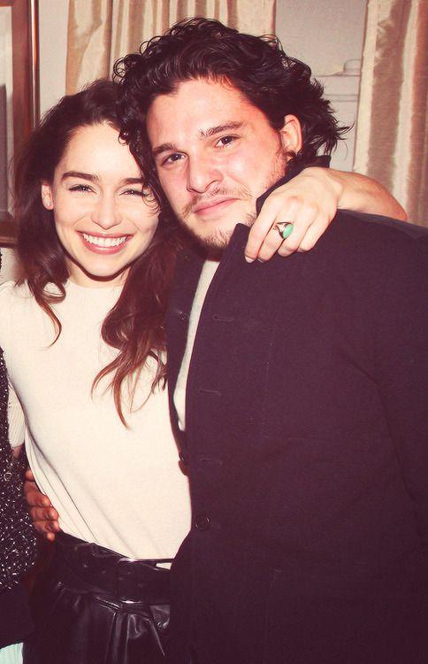Emilia Clarke +...