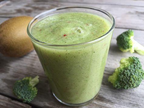 Groene smoothie van broccoli en appel