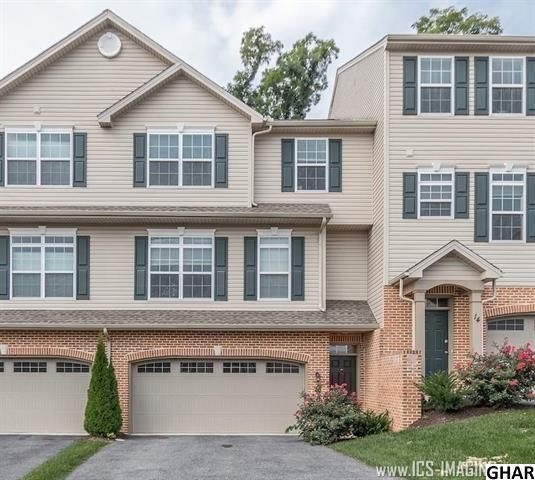 Spacious townhome for rent, Copper Ridge, Lemoyne. 2-car garage! Minutes to Harrisburg, and walk to restaurants and shopping. Minutes from Geisinger Holy Spirit Hospital. Upgraded flooring, stainless steel appliances, and kitchen island with overhang. http://www.rsrrealtors.com/news/1361/townhome-rental-copper-ridge-lemoyne-borough #newlisting #realestate
