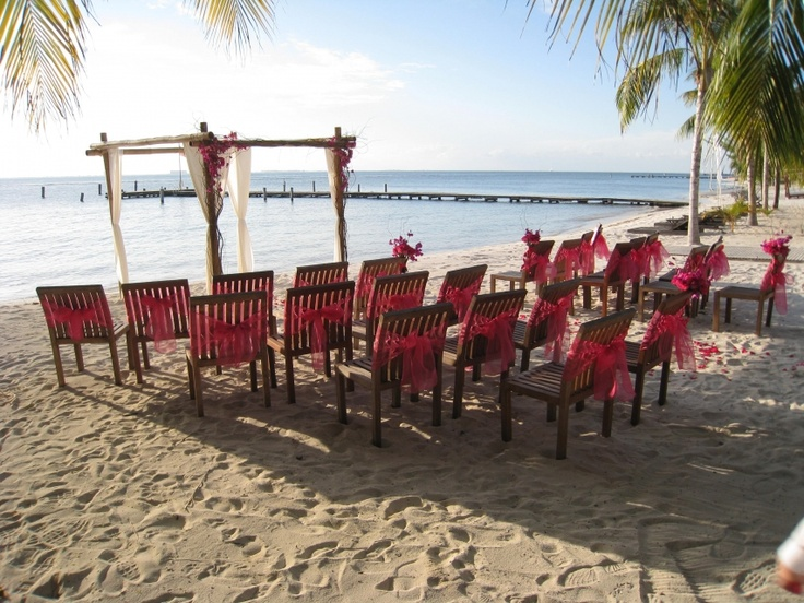 Wedding in Isla Mujeres (Mexico) !!! Visit our blog for more pics & article! http://www.a1djs.com/a1djs-a-isla-mujeres-mexique/?lang=en#