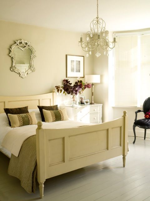 IDEAL HOME MAGAZINE feature. Interior Styling : Sarah Crozier